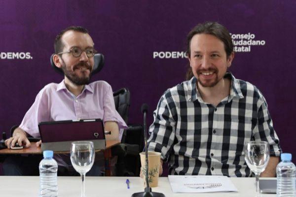 Pablo Iglesias y Pablo Echenique, en una reunión de la dirección de Podemos.