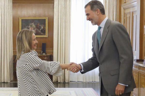 El rey recibe en la ronda de consultas a Ana Oramas, portavoz de...
