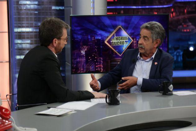 Pablo Motos y Miguel Ángel Revilla en El Hormiguero de Antena 3,...