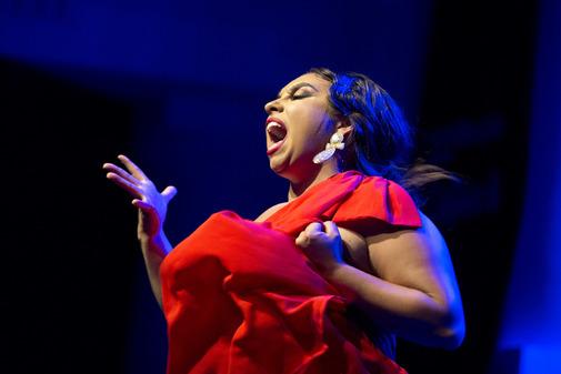 La cantaora María Terremoto en un momento de su actuación.
