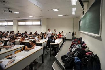 Estudiantes valencianos, durante uno de los exámenes del PAU.