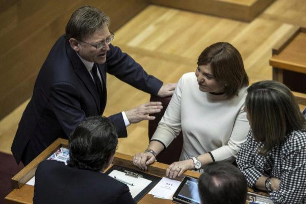 La presidenta del PPCV, Isabel Bonig, junto al presidente de la Generalitat, Ximo Puig.