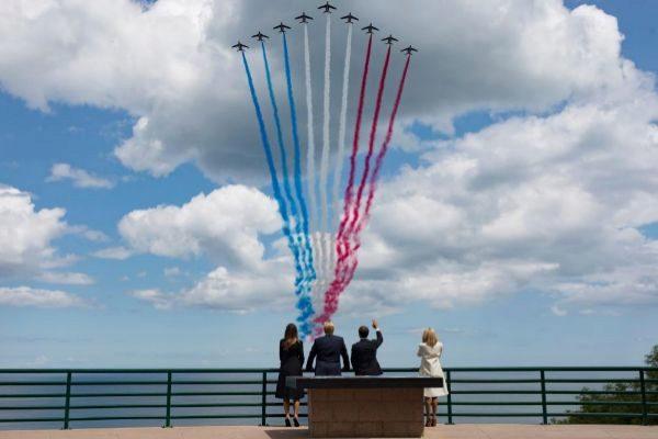 Donald y Melania Trump, con Emmanuel y Brigitte Macron, en el homenaje a los héroes de Normandía.