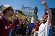 Turistas y aficionados al fútbol, en Madrid, con motivo de la reciente final de Champions League.