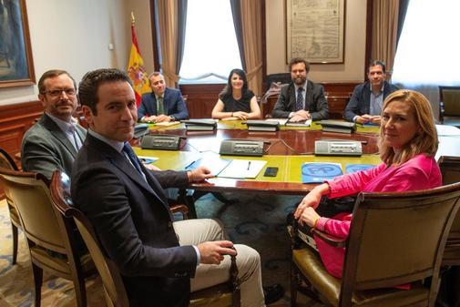 Reunión negociadora entre representantes de PP y Vox