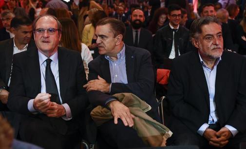 Á. Gabilondo, J. M. Franco y P. Hernández, en un acto de la campaña.