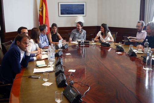 Pablo Iglesias, al frente de la mesa política para las negociaciones