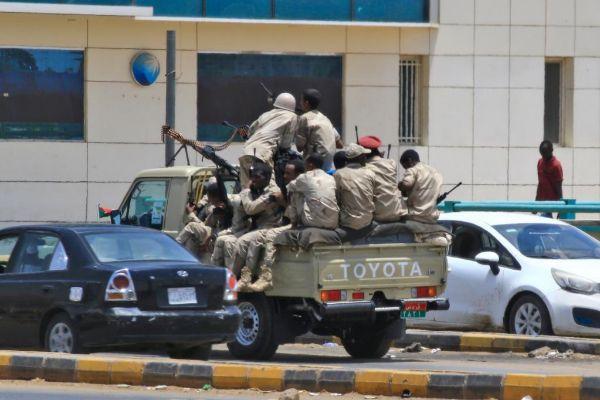 Miembros de las Fuerzas de Acción Rápida de Sudán, en Jartum.