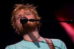 """GRAF5202. BARCELONA.- El cantante británico <HIT>Ed</HIT> <HIT>Sheeran</HIT>, uno de los artistas de mayor éxito comercial del <HIT>mundo</HIT>, autor de temas como """"Shape of you"""", """"Thinking out loud"""" o """"Perfect"""", ofrece un concierto en el Estadi Olímpic Lluís Companys, dentro de su gira por estadios europeos. Quique García"""