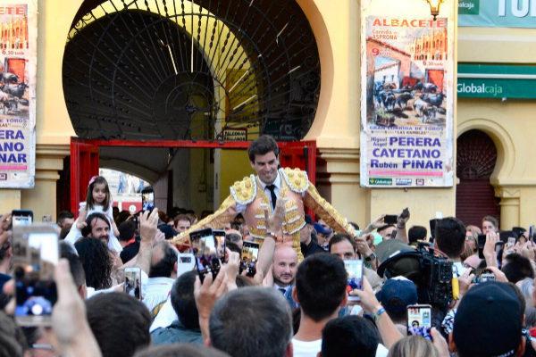 Pinar, del percance a la gloria en Albacete