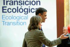 288cb8fb6 La ministra de Transición Ecológica, Teresa Ribera, y el presidente del  Gobierno, Pedro