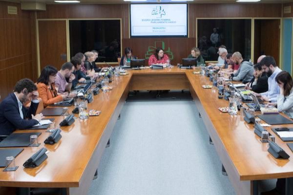 Los sindicatos durante su comparecencia ante los grupos del Parlamento.
