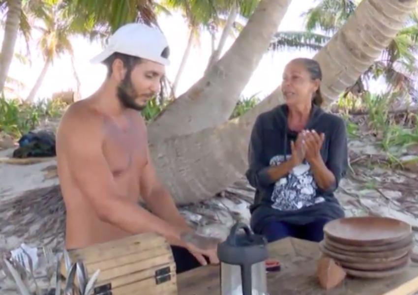 La pareja de cantantes formada por Omar Montes e Isabel Pantoja comparten numerosos momentos musicales en los que tocan las palmas y se arrancan a cantar en Cayo Paloma.
