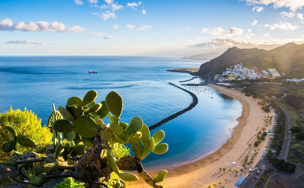 La isla canaria de Tenerife es el destino preferido dentro de España...