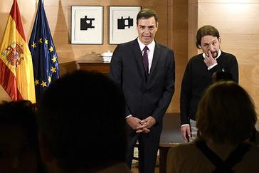 Sánchez e Iglesias se reúnen durante una hora para definir su relación: socios de gobierno o no