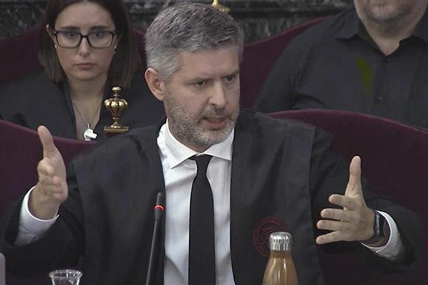 Andreu Van Eynde, abogado de Junqueras y Romeva, durante su informe final.