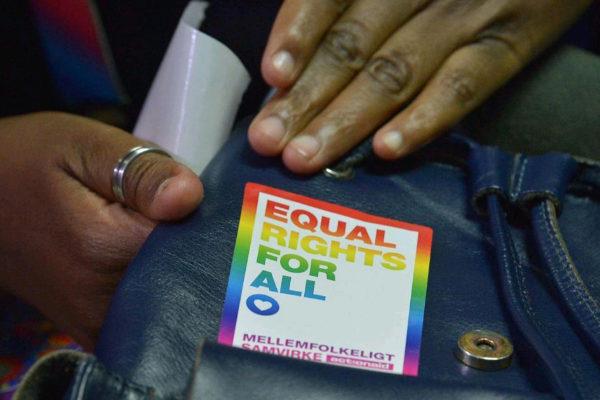 Un activista LGTB durante un juicio en Nairobi, el pasado febrero.