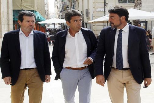 José Císcar, Carlos Mazón y Luis Barcala, el lunes antes de la reunión con Toni Cantó y Mari Carmen Sánchez.