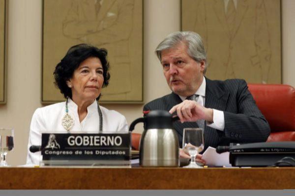 Isabel Celáa e íñigo Méndez de Vigo.