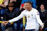 Mbappé celebra su gol ante Andorra.
