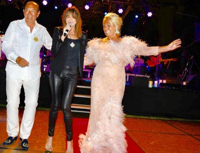 De izquierda a derecha: Félix Revuelta, Carla Bruni y Luisa Rodríguez Maroto.