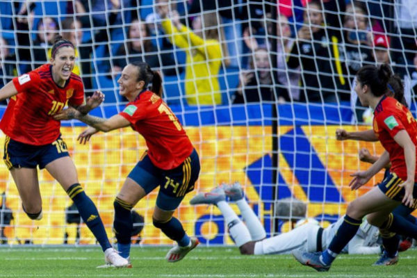 Jennifer Hermoso celebra el gol de España en el Mundial femenino