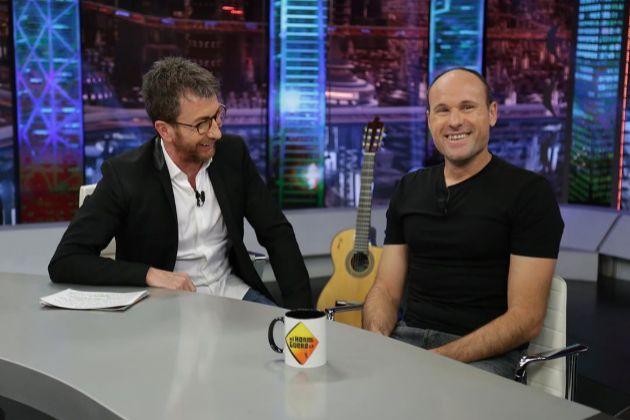 Pablo Motos y Mateu Lahoz en El Hormiguero en Antena 3, donde el árbitro 'amonestó' al presentador por una pregunta