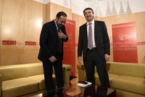 José Luis Ábalos y Aitor Esteban, juntos en el Congreso esta mañana.