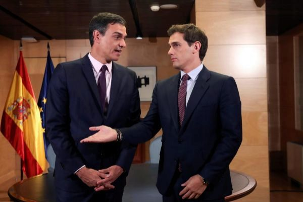 Pedro Sánchez y Albert Rivera, el martes en el Congreso.