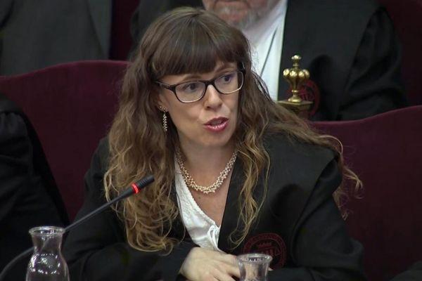 Olga Arderiu, abogada de Carme Forcadell.