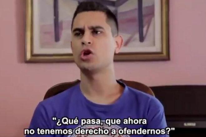 Un momento del vídeo de David Suárez en Twitter contra los ofendidos.