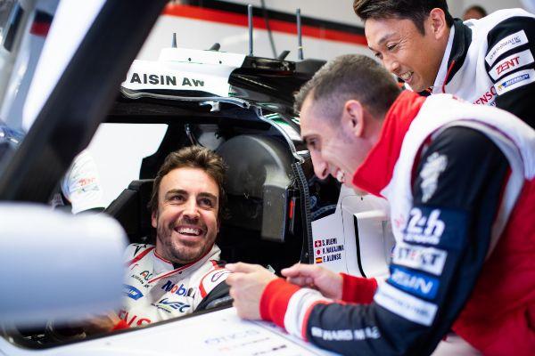 Alonso, con Nakajima y Buemi, en el #8 de Toyota en Le Mans.
