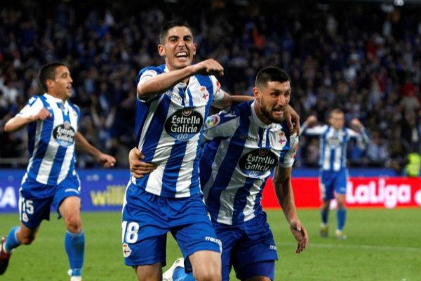 GRAF7506. A CORUÑA.- Los jugadores del <HIT>Deportivo</HIT>, Carlos...