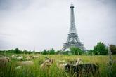 Son al menos 20 las réplicas de la Torre Eiffel esparcidas por los...