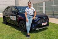 Carolina Marín recibe un Toyota RAV4 para preparar los JJOO de Tokio 2020