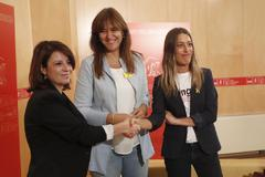 Adriana Lastra, Laura Borràs y Miriam Nogueras se reúnen en el Congreso