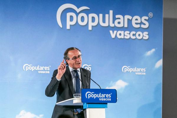 """Alonso ve """"incongruente"""" quitar alcaldías al PP y buscar un acuerdo en las cuentas"""