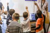 Así discrepan padres y docentes sobre los polémicos regalos de fin de curso a los profesores