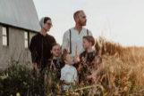 La familia Amish que te acoge en su granja.