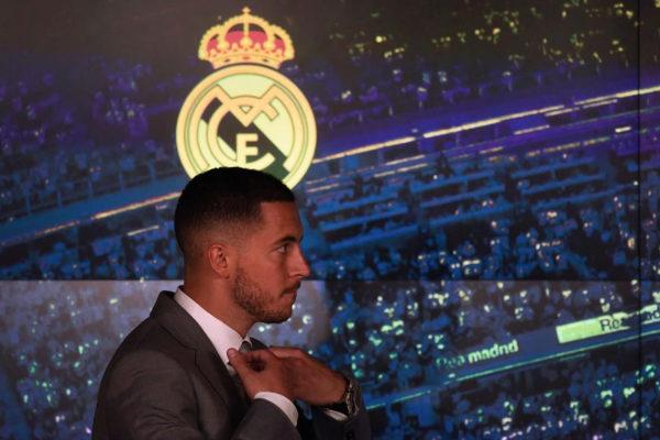 Eden Hazard, durante su presentación en el Bernabéu.
