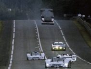 El CLR de Webber, por los aires, durante el 'warm up' de 1999.