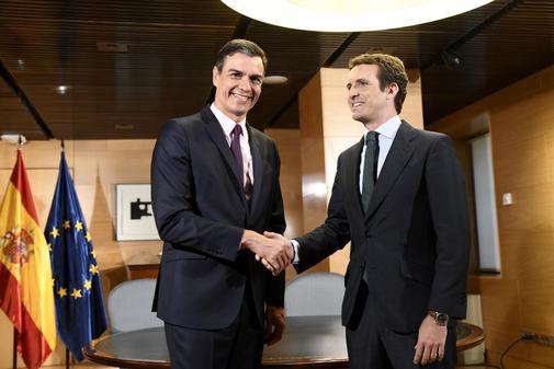 Pedro Sánchez y Pablo Casado en el Congreso de los Diputados.