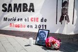 Cartel en recuerdo de Samba.