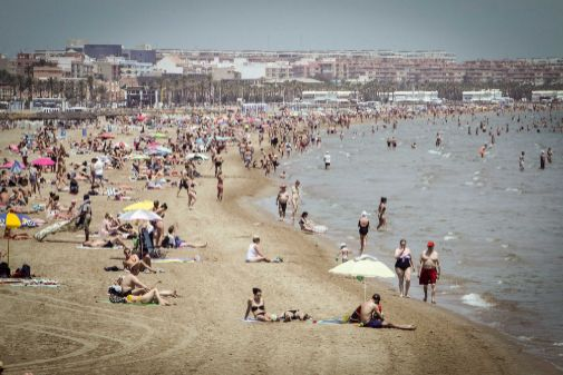 Vista de la playa de la Malvarrosa en Valencia.