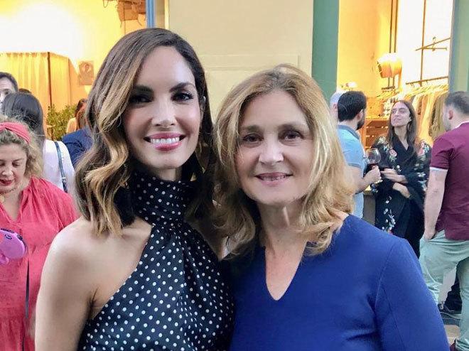 Eugenia Silva y Elena Foguet, bussines director de Value Retail, en Las Rozas Village, donde Eugenia ha abierto Cabinet, una pop up de moda.