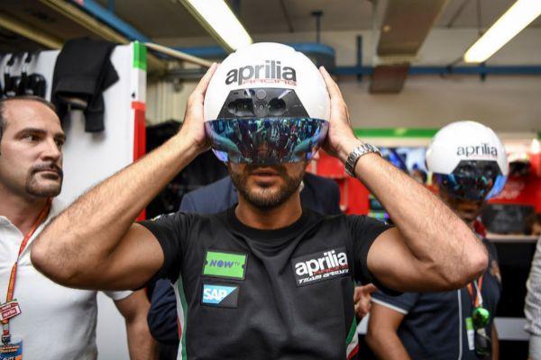 El modelo de casco de Aprilia, en septiembre de 2017.