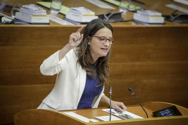 Mónica Oltra, consellera en funciones de Igualdad y Políticas Inclusivas, este jueves en las Cortes Valencianas