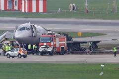 Demasiado combustible, primer informe oficial del accidente de avión en Moscú