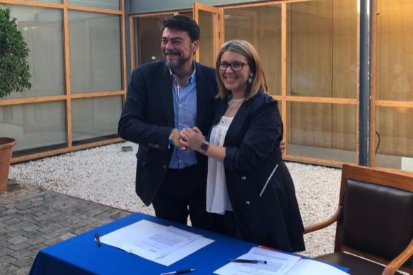 El candidato del PP Luis Barcala y la de Cs, Mari Carmen Sánchez, este viernes.