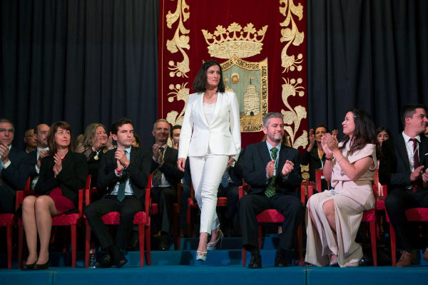 GRAF8780. SANTANDER, 15/06/2019.- La alcaldesa de Santander, Gema Igual, ha sido elegida con la suma de los trece votos de los concejales del PP y los dos de Ciudadanos en el acto de constitución del Ayuntamiento de Santander que se ha celebrado en el Paraninfo de la Magdalena. EFE/Pedro Puente Hoyos